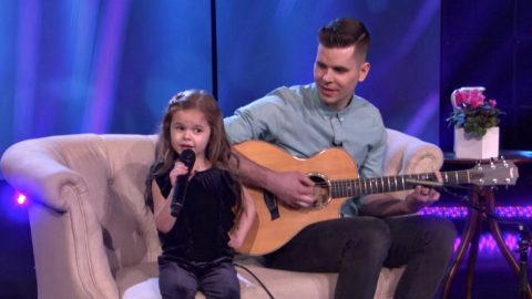 Viral Father-Daughter Duo Return With Jaw-Dropping Cover Of A Broadway Classic   Country Music Videos