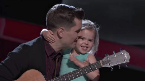 4-Year Old YouTube Star Claire Ryann Makes 'Voice' Debut | Country Music Videos