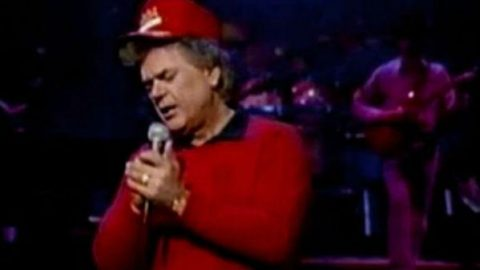 Conway Twitty – Final Touches (Live) (WATCH) | Country Music Videos