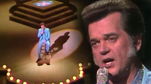 Conway Twitty – Grandest Lady Of Them All (Live) (VIDEO) | Country Music Videos
