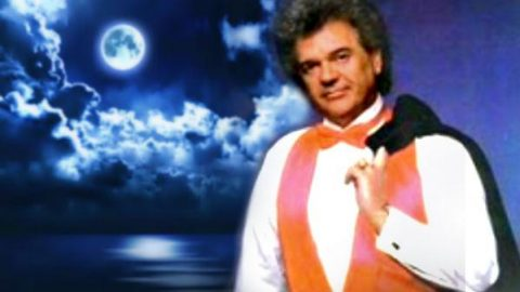 Conway Twitty  – I Couldn't See You Leavin'   Country Music Videos