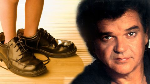Conway Twitty – Nobody Can Fill Your Shoes   Country Music Videos