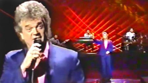 Conway Twitty – Ruby and House On Old Lonesome Road (Live 1989) (WATCH) | Country Music Videos