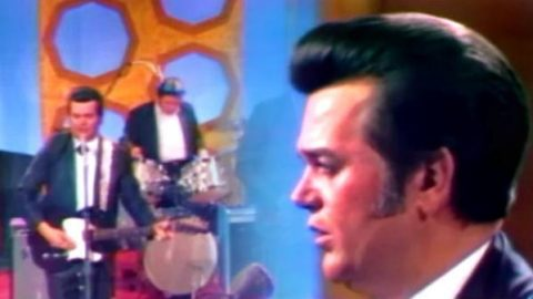 Conway Twitty – That's When She Started To Stop Loving You | Country Music Videos