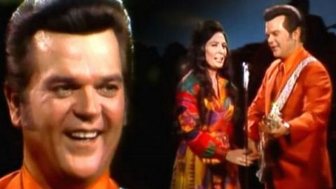 Conway Twitty and Loretta Lynn – After The Fire Is Gone (WATCH) | Country Music Videos
