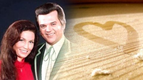 Conway Twitty and Loretta Lynn – Where Old Loves Gather Dust (VIDEO) | Country Music Videos