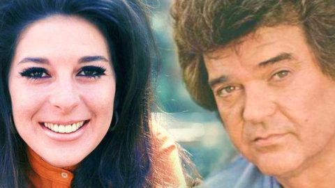 Conway Twitty and Loretta Lynn – You Could Know As Much About A Stranger | Country Music Videos