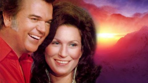 Conway Twitty and Loretta Lynn – You Know Just What I'd Do (VIDEO)   Country Music Videos