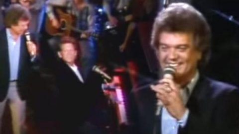 Conway Twitty with Jerry Lee Lewis – Mona Lisa (VIDEO) | Country Music Videos