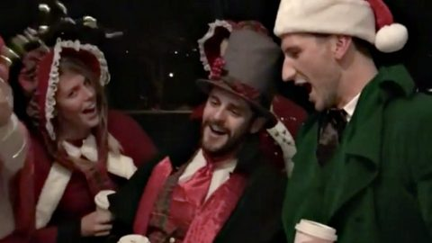 Country Stars Show Up At Random Nashville Homes To Sing Christmas Carols | Country Music Videos