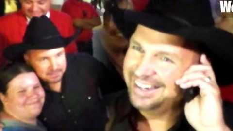 Country Legend Garth Brooks Surprises a Lucky Fan Leaving Teachers Rock Charity Benefit | Country Music Videos