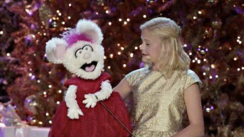 Darci Lynne Farmer And Her Beloved Puppet Bring Laughs With Twist On Popular Holiday Tune | Country Music Videos