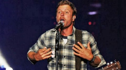 Dierks Bentley Forgets Lyrics To Multiple Songs | Country Music Videos