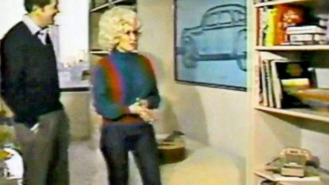 RARE: Inside Dolly Parton's Lavish 1980s New York Penthouse | Country Music Videos