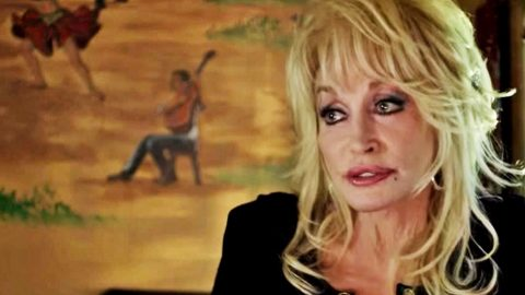 Dolly Parton Suffers Death Of Family Member Country Rebel