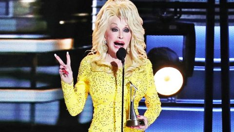 Dolly Parton Exposes Why CMAs Cut Her Speech Short | Country Music Videos