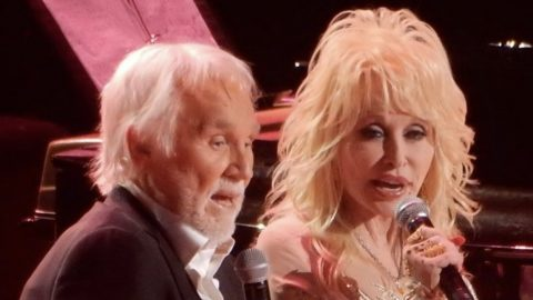 Dolly Parton Sings 'I Will Always Love You' To A Surprised And Emotional Kenny Rogers | Country Music Videos