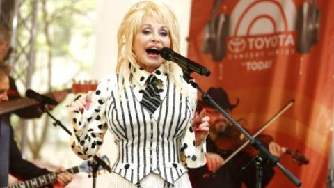 Dolly Parton – Blue Smoke (LIVE on Today Show 2014) | Country Music Videos
