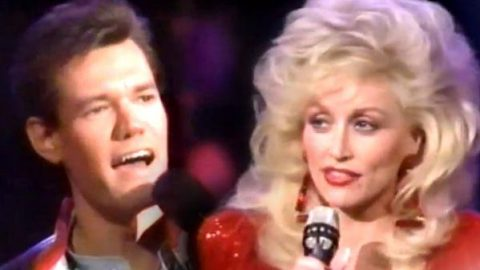 Dolly Parton and Randy Travis – Blue Blue Day (On the Dolly Show) | Country Music Videos