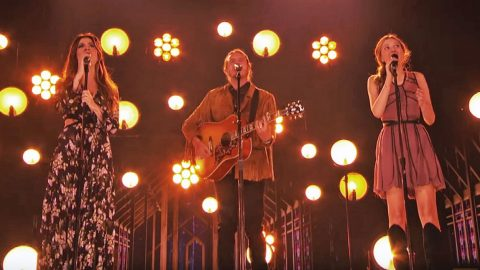 America's Got Talent Watches Family Of 3 Praise God During 'Bless The Broken Road' | Country Music Videos