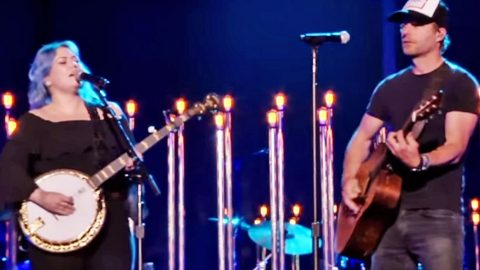 Rock Goddess Shines In Country Duet During CMT Awards | Country Music Videos