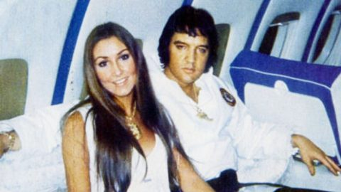 The Chilling Words 9-Yr-Old Lisa Marie Used To Break Elvis' Death To Ex-Girlfriend | Country Music Videos