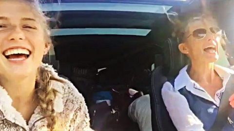 Faith Hill & Daughter Perform Carpool Karaoke As They Drive To College   Country Music Videos