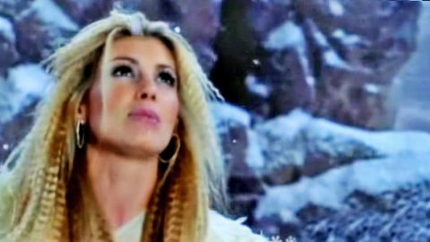Faith Hill Begs For Holiday Cheer In Beautiful 'Where Are You, Christmas?' Video | Country Music Videos