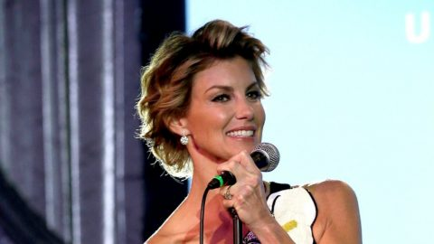 "Faith Hill Celebrates Daughter's 18th Birthday With Beautiful ""Mini-Me"" Photo 
