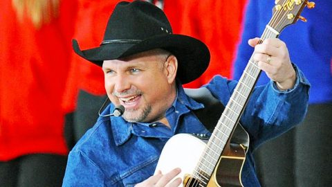 The Story & Songs Behind Garth Brooks' Wild Rise To Legendary Fame | Country Music Videos