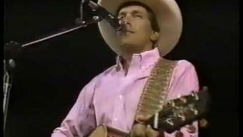 George Strait – Lonesome Rodeo Cowboy (WATCH) | Country Music Videos