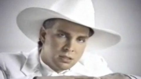The Unthinkable Happens To Garth Brooks' Piano In His 1994 Video For 'The Red Strokes' | Country Music Videos