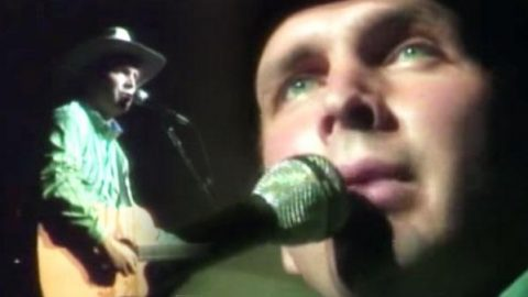 Garth Brooks – Starry Starry Night (VIDEO) | Country Music Videos