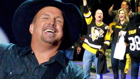 Garth Brooks' Record Breaking Birthday (VIDEO)   Country Music Videos