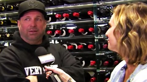 Garth Brooks Gets Teary-Eyed Talking About His Love For Trisha | Country Music Videos