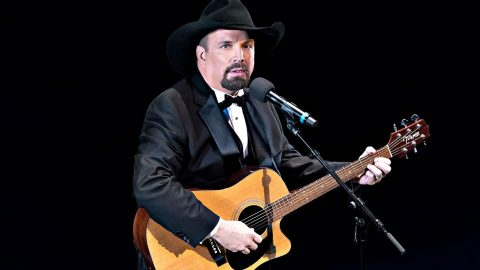 Garth Brooks Almost Forced To Cancel Concert | Country Music Videos