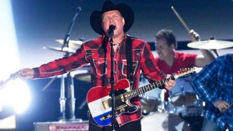 Garth Brooks Gives Heartbreaking Veterans Day Tribute Of Battle Song 'Belleau Wood' | Country Music Videos