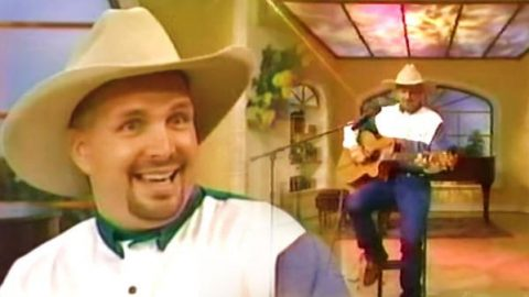 Garth Brooks – Much Too Young (To Feel This Damn Old) on Regis 1994 (VIDEO) | Country Music Videos