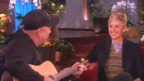 Garth Brooks – Sing Along on The Ellen Show | Country Music Videos