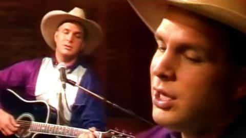 Garth Brooks – Unanswered Prayers (Rare NZ Interview) (VIDEO) | Country Music Videos