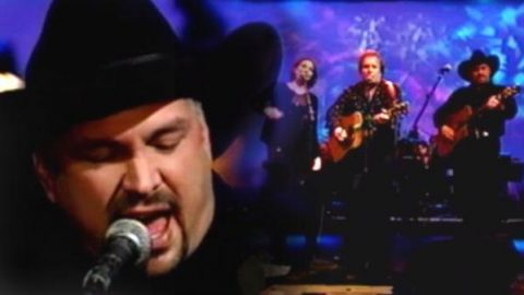 Garth Brooks, Don McLean, and Nanci Griffith – American Pie (VIDEO) | Country Music Videos