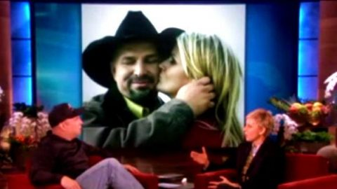 Garth Brooks Talks About His Relationship with Trisha Yearwood on Ellen show | Country Music Videos