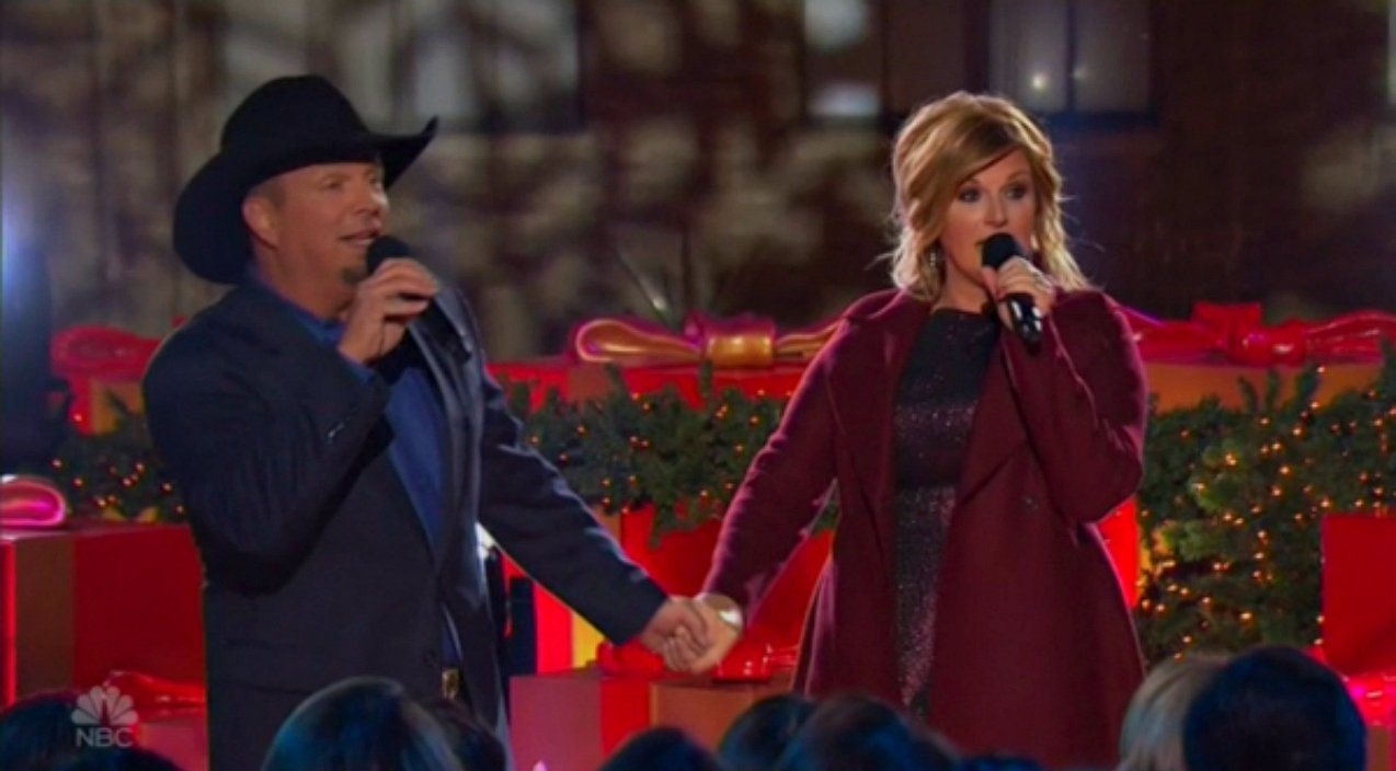 Garth Brooks & Trisha Yearwood Sing Adorable Rendition Of 'Baby, It's Cold Outside' | Country Rebel