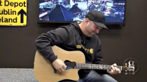 Garth Brooks Issues Tearful Plea To His Fellow Artists Following Las Vegas Shooting | Country Music Videos