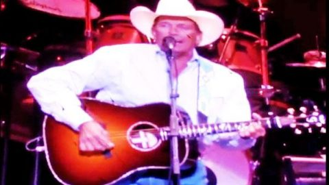 George Strait – Write This Down (LIVE)   Country Music Videos