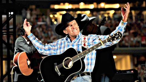 George Strait Comes Back To Texas For Surprise Performance | Country Music Videos