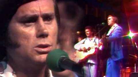 George Jones – Memories Of Us (Live) (WATCH) | Country Music Videos