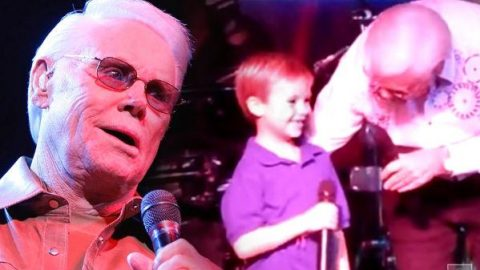 George Jones – Pint Sized Prodigy Performs With The Possum! (WATCH) | Country Music Videos