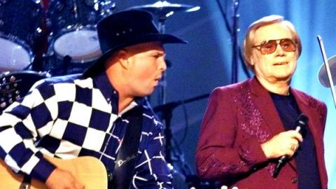 George Jones and Garth Brooks – Beer Run (Live) | Country Music Videos