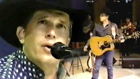 George Strait – Down Louisiana Way – 1996 Houston Rodeo (VIDEO) | Country Music Videos